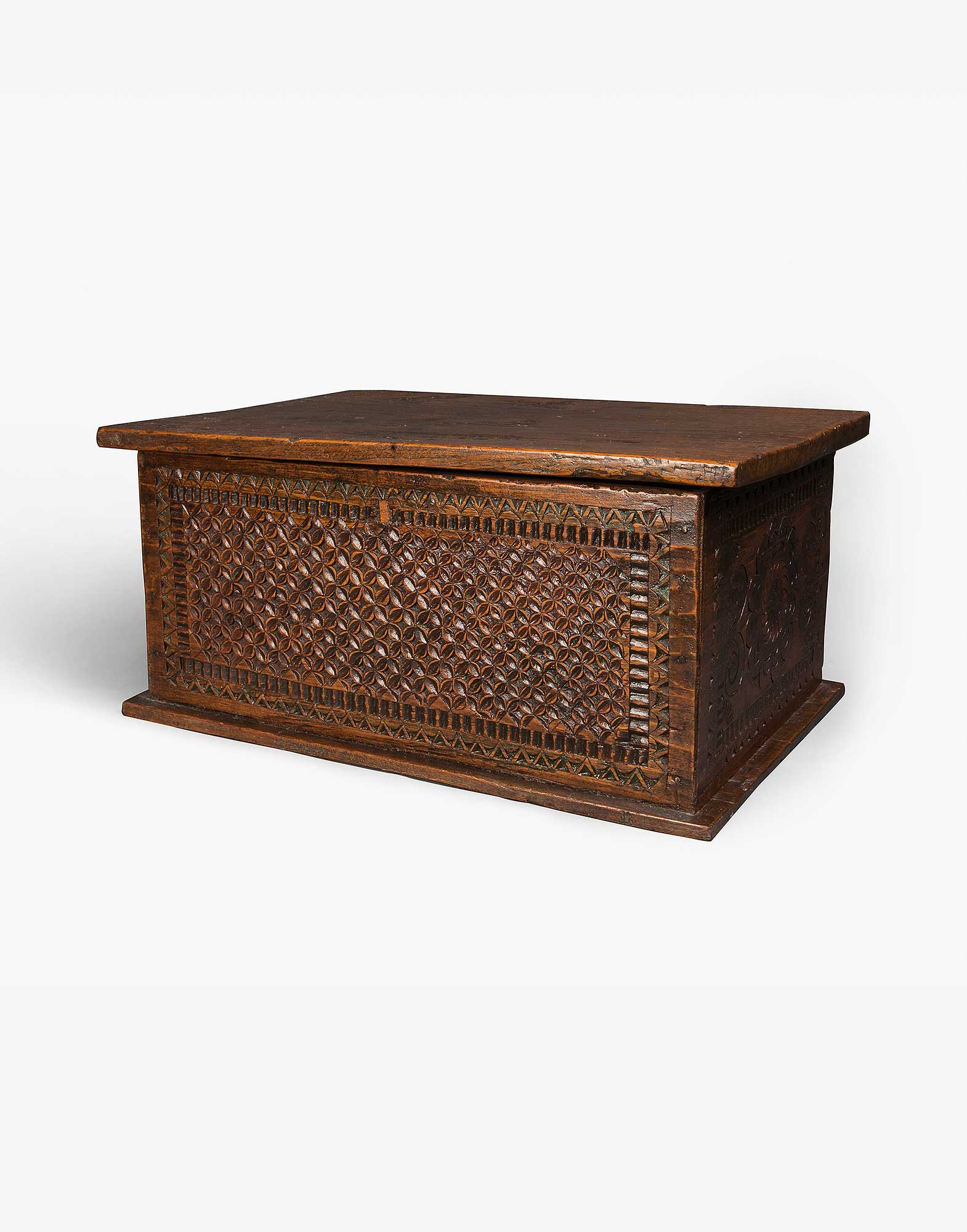 Indonesian Antique Wooden Chest Kichy